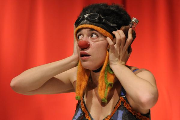 LILA MONTI presenta POVNIA @ Teatre Pare Casals | Sant Esteve de Palautordera | Catalunya | Espanya