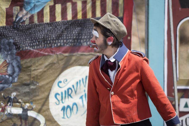 THE BRUNETTE BROS CIRCUS presenta THE GREATEST & 2nd SMALLEST CIRCUS IN THE WORLD @ Plaça Joan Serra | Catalunya | Espanya
